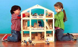 girl_boy_playing_house